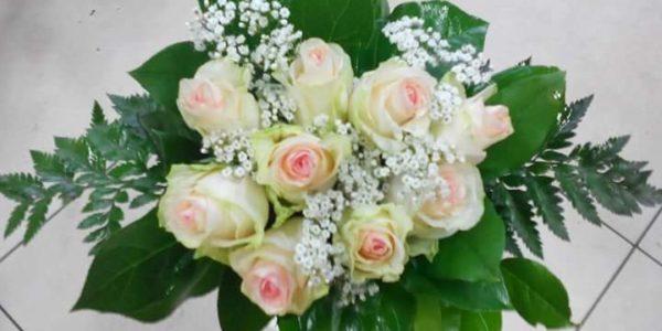 Kód: B003 obsah: 9x růže-krátké, gypsa, zeleň cena: 550,-