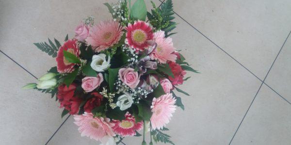 Kód: A005 obsah: mix gerbera, germina, růže, zeleň cena:  825,-