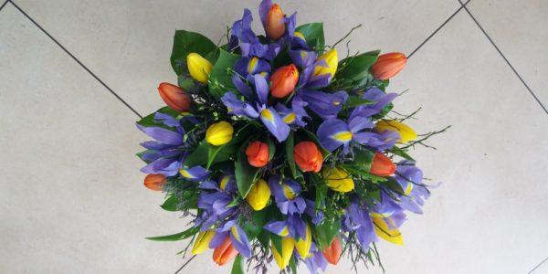 Kód: A002 obsah: tulipán, iris, zeleň cena:  790,-