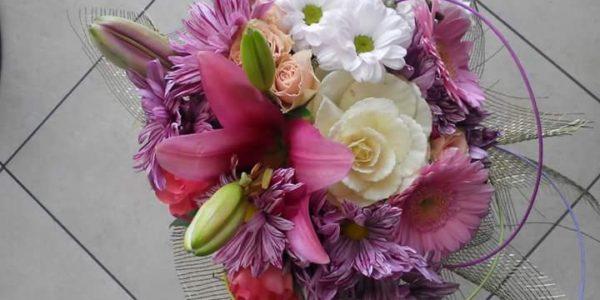 Kód: B013 obsah: Chryzanema, lilie, germína, zeleň cena: 429,-