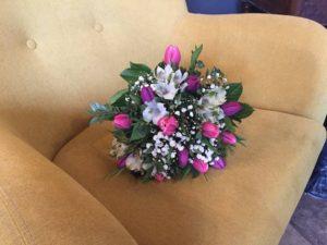 Kód: L001  obsah:  15x tulipán, 3x alstromelie, zeleň