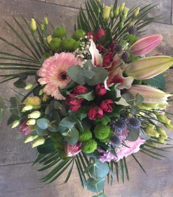 Kód: L002  obsah:  gerbera, lilie, alstromelie, santini ,eustoma, zeleň