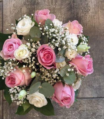 Kód: K007  obsah:  Růže, eustema, zeleň