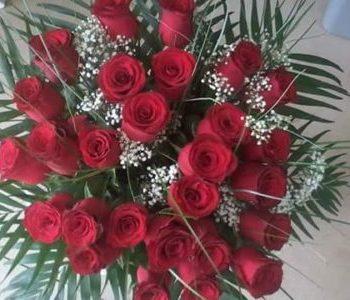 Kód: L016  obsah:  30 x růže, zeleň