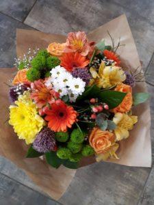 Kód: L015  obsah:  gerbera, růže, alstromélie, santina, zeleň