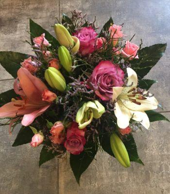 Kód: L038  obsah:  růže krátká, lilie, růže trsová, zeleň