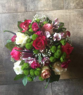 Kód: L053  obsah:  růže,santina,veronica,gypsofila,zeleň